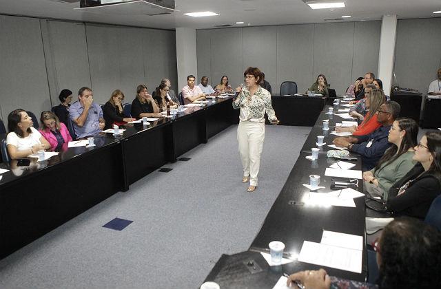 Insegurança jurídica é tema de encontro empresarial na FIEB